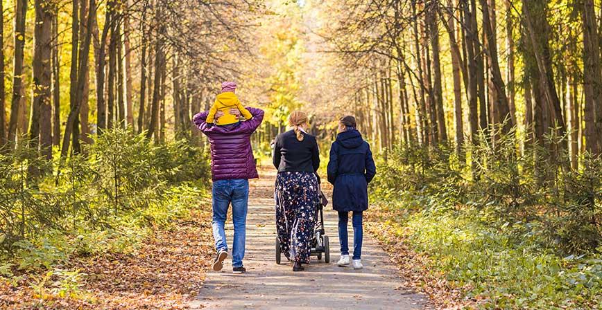 Günde 20–30 dakikalık yürüyüş bile kilo kontrolünü ve kandaki şeker oranını dengeleyebilir.