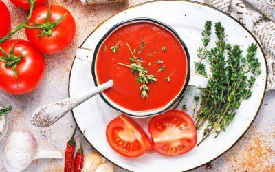 Ketojenik Domates Çorbası
